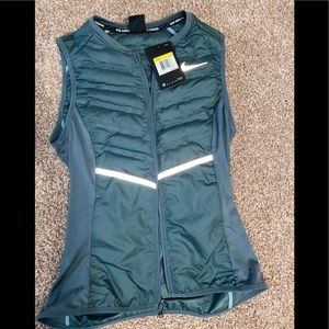 New with tag Nike reflective vest